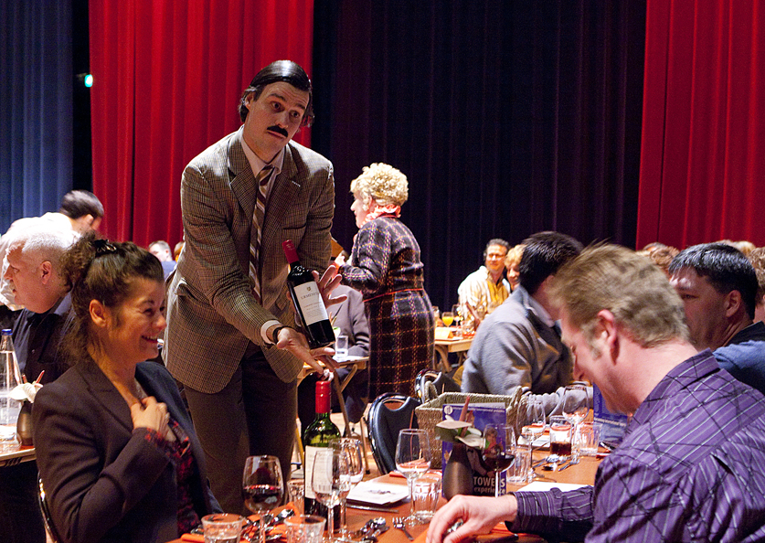 The faulty towers dining experience aberystwyth arts centre for Farcical oed