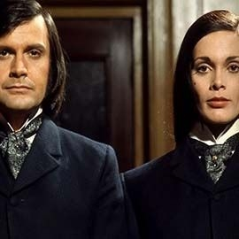 Dr Jekyll and Sister Hyde standing next to each other
